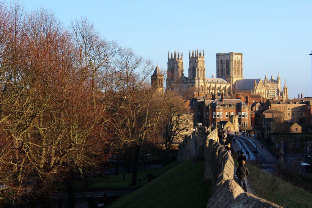 York-vista-cattedrale-mura